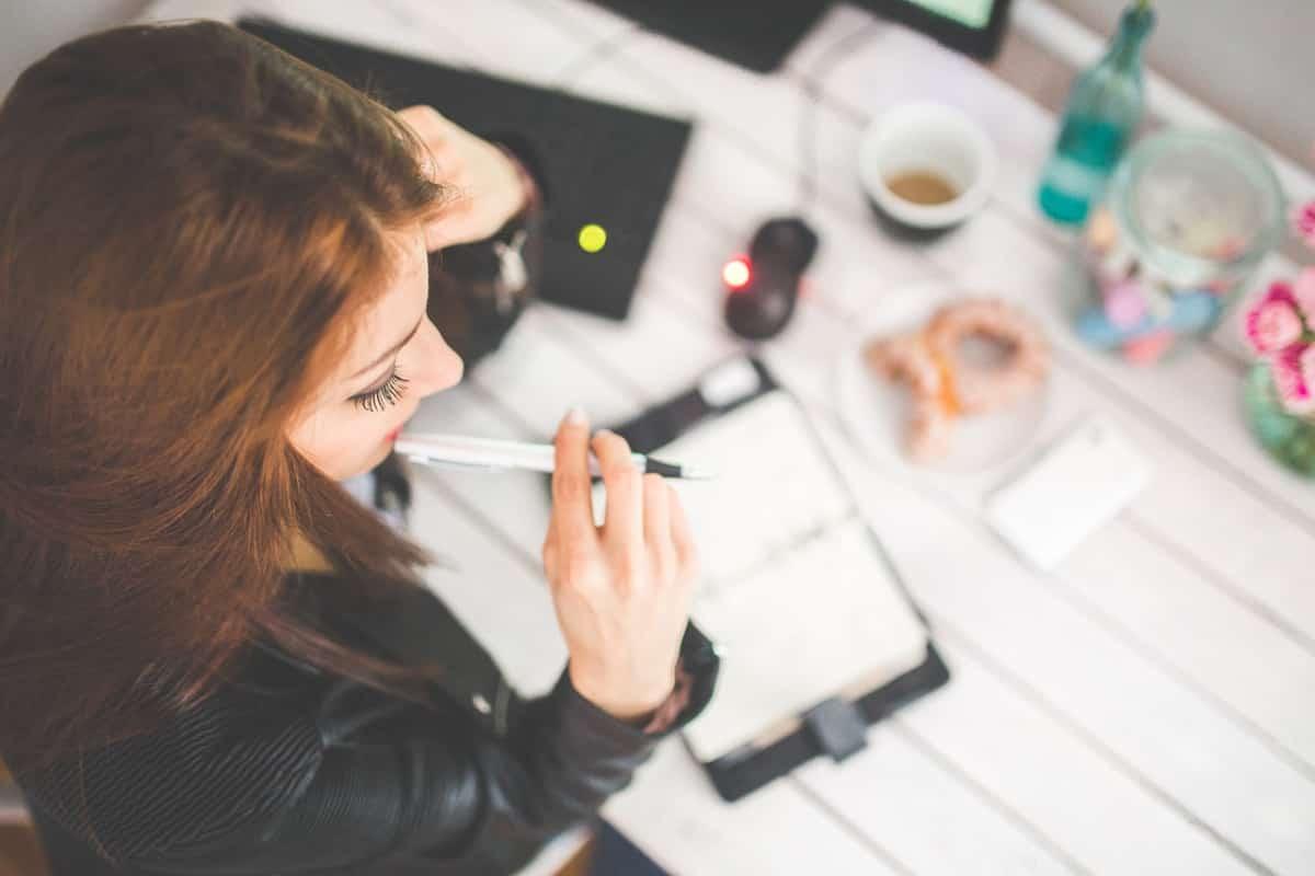 ハンドメイド作家になるには資格が必要か