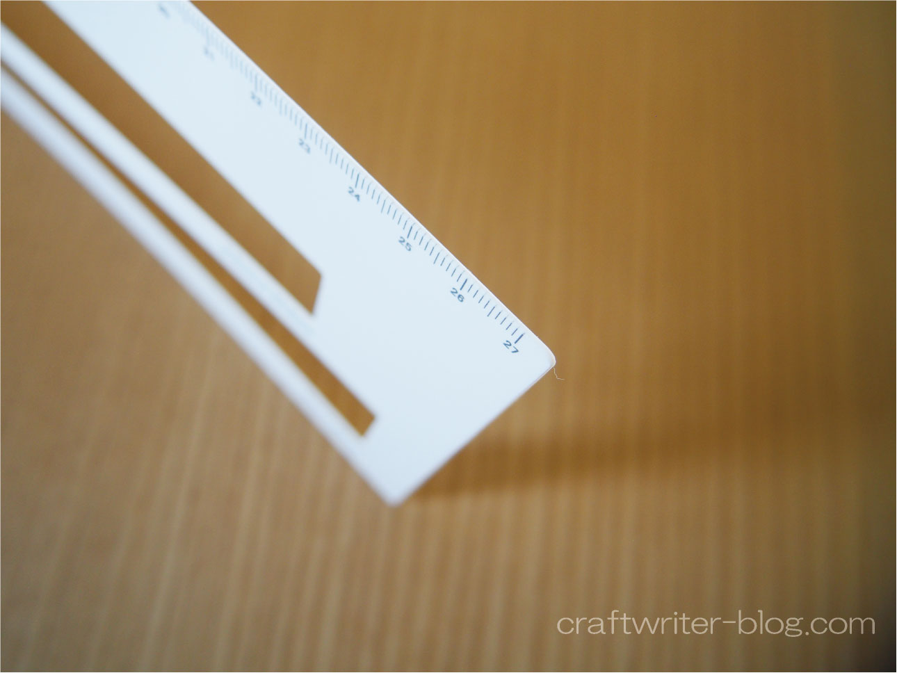 厚み測定定規の素材