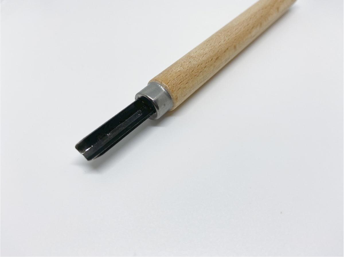 刃が半円になっている彫刻刀