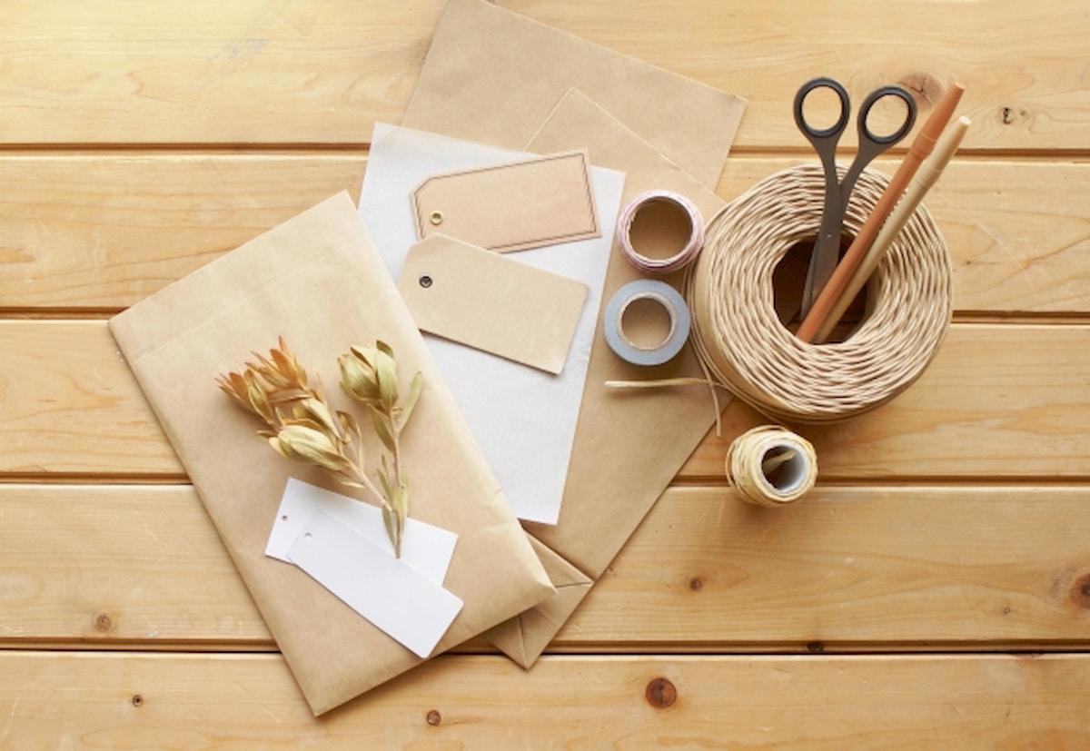 ラッピング用の袋や装飾用品