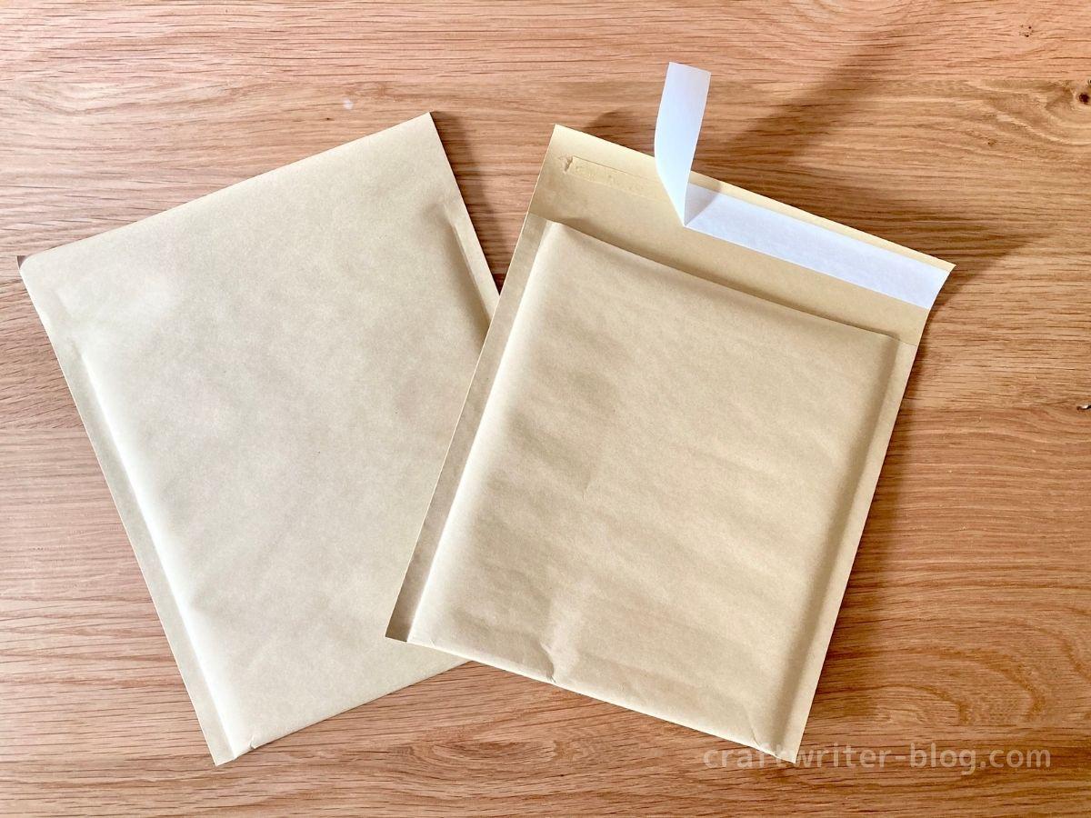 発送用クッション封筒の裏表